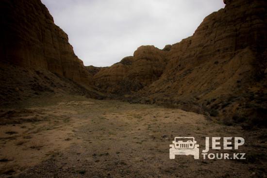поездки Чарынский Темрликский каньон и лунный ландшафт